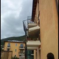 L'Aquila, crolla balcone in palazzina 'New town'