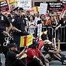 Fast food, i dipendenti Usa in piazza per il salario a 15 dollari