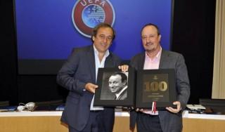 Napoli, allarme rientrato per Higuain. E l'Uefa premia Benitez