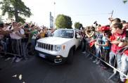 Alonso e Raikkonen, a Monza fra la folla con la nuova Jeep Renegade