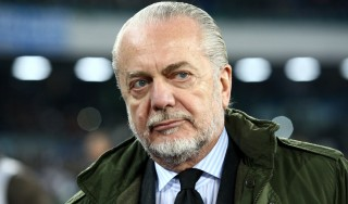 Napoli: Benitez ancora in vacanza, ma arriva De Laurentiis