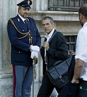 Cottarelli consegna a Renzi la lista dei tagli
