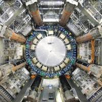 Stephen Hawking: il bosone di Higgs potrebbe distruggere l'universo