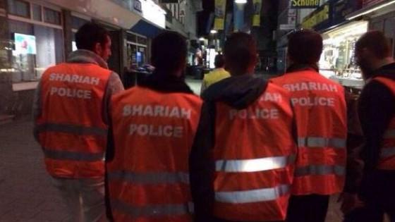 """Germania, """"Donna copriti col velo"""": le pattuglie islamiche della 'sharia police'"""