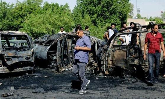 """Iraq, Obama accelera: raid aerei a tutto campo. Kerry a Bagdad: """"Il mondo eliminerà l'Is"""""""