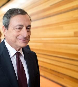 """Bce: """"La ripresa economica ha perso slancio.<br />Italia consolidi i conti, target deficit a rischio"""""""