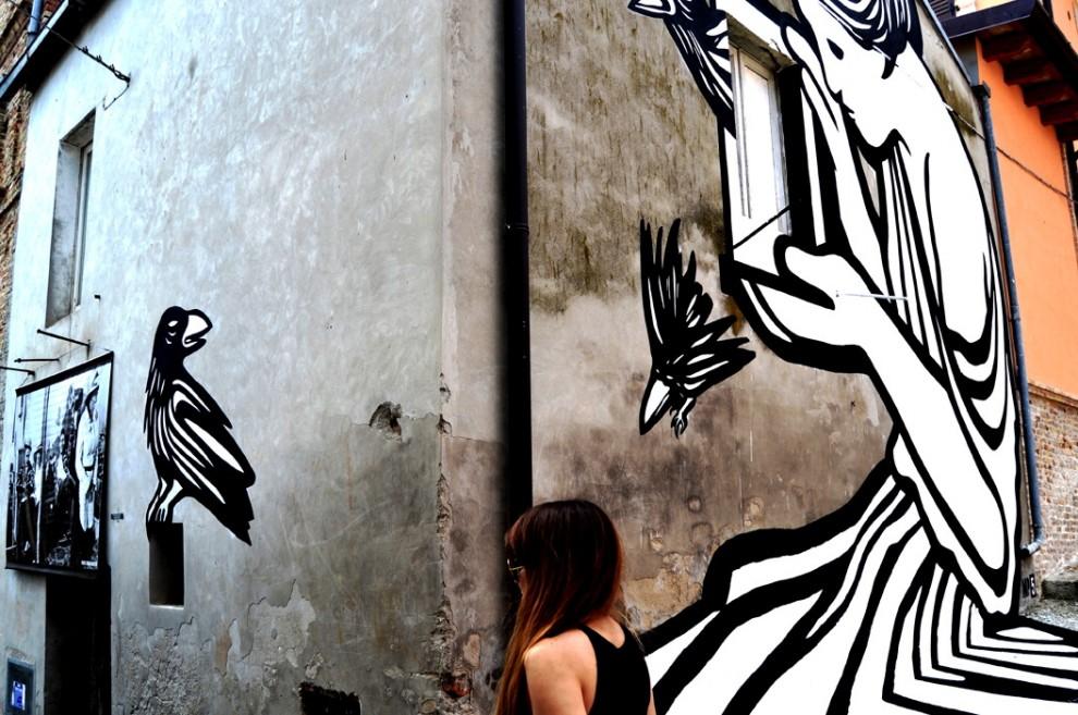 Abruzzo il mito di pandora un murales for Mito vaso di pandora