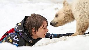 """Un orsetto e un ragazzo arriva """"Il mio amico Nanuk"""""""