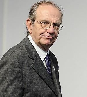 """Ecofin, Padoan: """"Strumenti per la crescita"""" <br />Katainen: """"Riforme vanno attuate"""""""