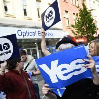 Scozia, simboli e bandiere dei sì e dei no
