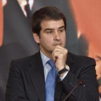 """Scontro in Forza Italia, Fitto: """"Serve dibattito interno, non possiamo essere opposizione..."""