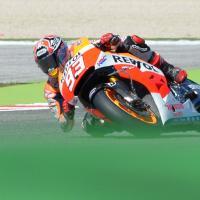 MotoGp, Marquez scivola e la moto non parte