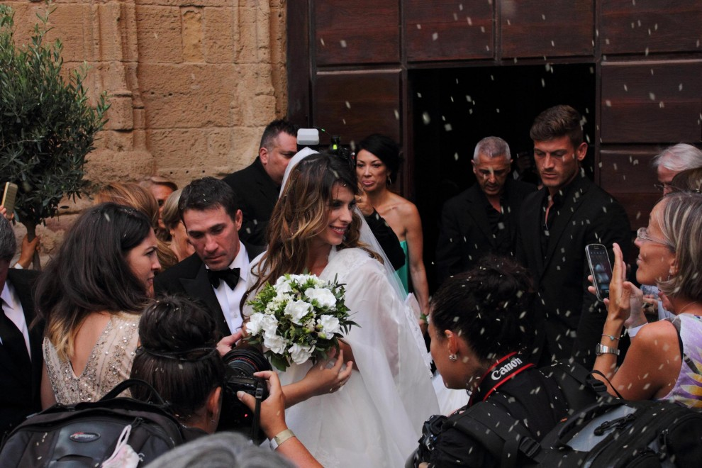 Alghero, Elisabetta Canalis ha detto sì: nozze blindate con Brian Perri