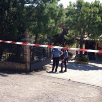 Marche, arrestato l'imprenditore che ha ucciso due operai. Lo avevano affrontato con una...