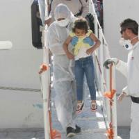 Fermati 7 scafisti, 1.613 migranti sbarcano sulle coste italiane