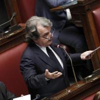 """Opposizioni bocciano Renzi: """"Inutile perdita di tempo"""". Fassina attacca: """"Vuole lavoratori di serie C"""""""