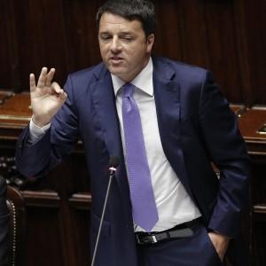 """Renzi alle Camere: """"Mille giorni ultima chance. Voto anticipato se il Parlamento non fa le riforme"""". Poi frena sulle elezioni"""