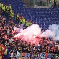 Roma-Cska, scontri tra tifosi russi e polizia