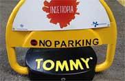 """""""Tommy"""" salva il parcheggio per i disabili"""