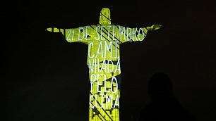 Rio, summit sul clima: Cristo verde
