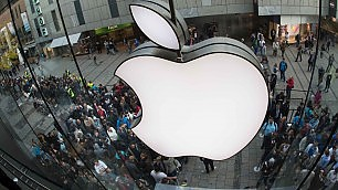 Da Hong Kong a Londra     leggi    in coda per iPhone 6    twittertime     Video  Lo acquista per primo e...