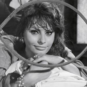 Sophia Loren quota 80, vita e carriera nelle immagini del Luce