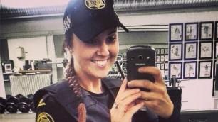 Gelati, gattini e selfie: a Reykjavik la polizia più amata del mondo
