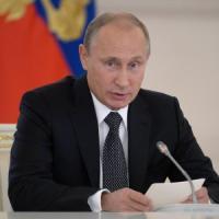 Russia, Putin pronto a bloccare Internet 'in caso di emergenza'