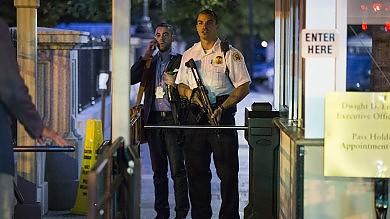 Usa, Casa Bianca evacuata in parte   foto   per circa un'ora: c'era un intruso   video