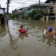 Tempesta e allagamenti  nelle Filippine   video   almeno cinque morti oltre 200mila evacuati