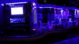 Da una sfilata all'altra in limousine Autisti svelano vizi e capricci