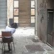 Genova, la beffa in centro lo Stato confisca e riaffitta ma lì tornano le prostitute