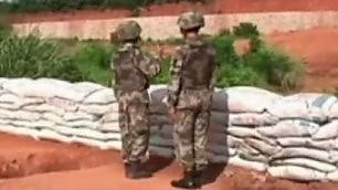 Fallisce il lancio della bomba soldato e istruttore si salvano