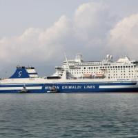 Traghetto contro scogli a Corfù, tragedia sfiorata