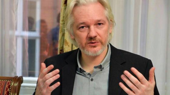 """L'ultima sfida di Assange: """"Il nuovo totalitarismo sono i colossi del web"""""""