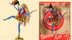 """Dalla Vergine Maria alla Dea Kali Quando la Barbie è """"sacra""""    Twittertime  #qualebarbie"""