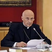 """Bagnasco: """"Fermate lo scempio dei cristiani"""". E sui migranti: """"Dov'è l'Europa?"""""""