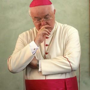 Con il via libera del Papa arrestato arcivescovo accusato di abusi sui minori