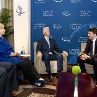 """Clinton a Renzi: """"Col consenso che hai puoi farcela"""". La prima volta di Matteo all'Onu"""