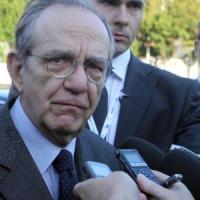 """Padoan: """"La priorità dell'Italia non è ridurreil deficit, tagliare il debito sarà difficile"""""""