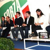 Il casting di Berlusconi: cento nomi under 35 per rifare Forza Italia