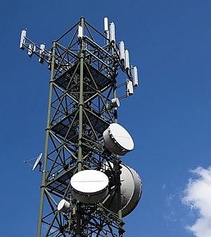 Tlc, l'Italia propone alla Ue di rinviare la fine del roaming