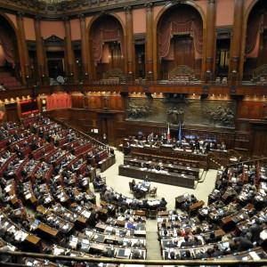 Cognome, primo 'Sì' alla Camera per la libertà di scelta