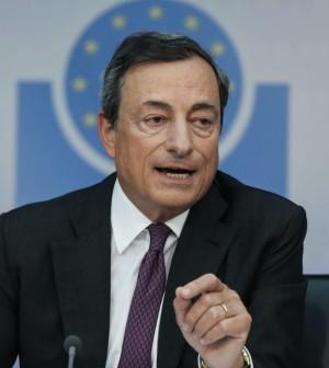 """Draghi: """"Per la ripresa il credito non basta servono più fiducia e investimenti pubblici"""""""