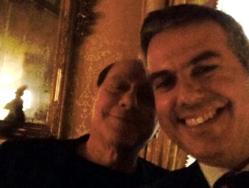 Ncd, coordinatore Marche perde il posto dopo selfie con Berlusconi