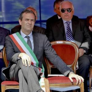 """Why Not, De Magistris non molla: """"Si dimettano i giudici"""". Anm: """"Parole gravi e offensive"""""""