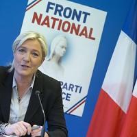 Le Pen fa scuola in Italia, il vento anti-euro rianima la Lega