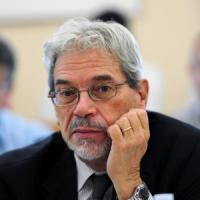 """Il viceministro De Vincenti: """"Ripristinare le tutele abolite dalla Fornero, sì a..."""