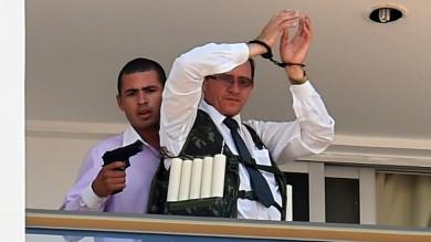 Brasile, uomo prende ostaggio in hotel  e chiede estradizione Cesare Battisti   foto