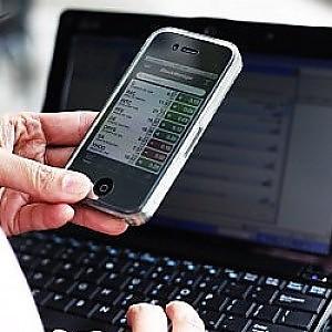 Gli smartphone fanno bene alla produttività: 9 mld il risparmio per le aziende nel 2014